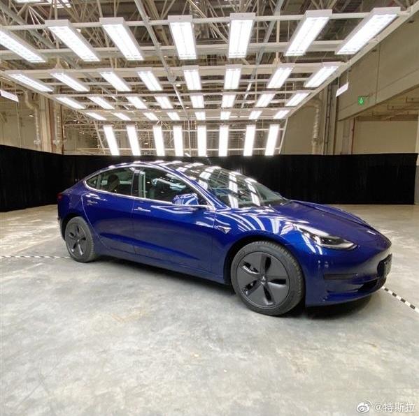特斯拉首批中国产Model 3今日开始交付 此次交付只有15辆